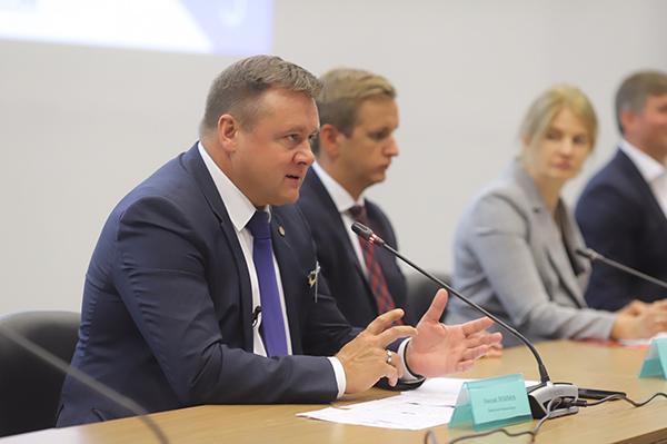 Николай Любимов выступил на пленарной сессии Национального форума по импортозамещению